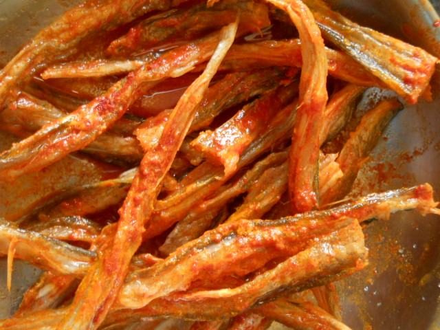 Dry Bombay Duck Curry -  Bombil Curry Recipe
