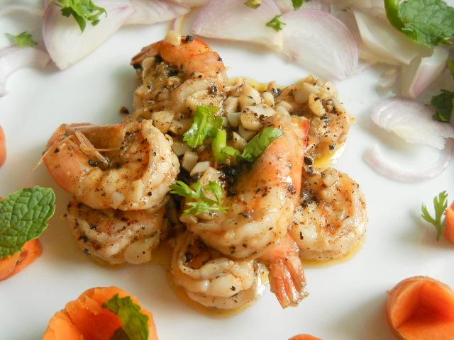 Butter Garlic Prawns, Butter Garlic Prawns with Pepper Recipe | Prawns Recipe