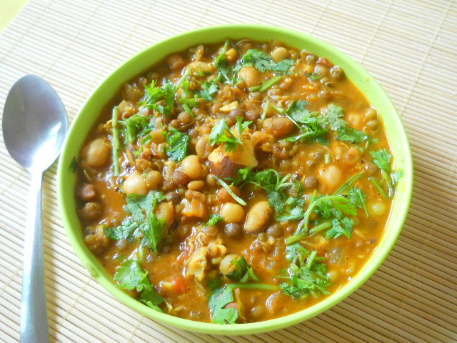 Indian Mixed Sprouts Curry