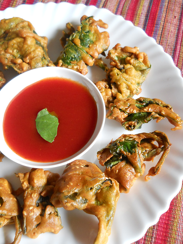 Spinach Fritters, Palak Pakoda Recipe | How to make Palak Pakoda Recipe