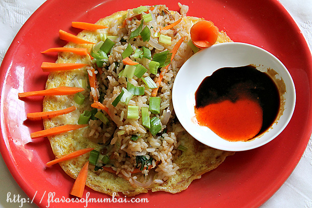 Stir Fried Rice on a Bed of Omelet, Chinese Stir Fried Rice Recipe | Veg Fried Rice