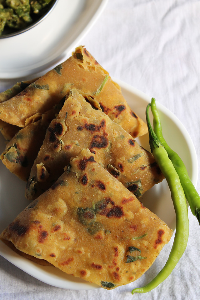 Gujarati Thepla Recipe – Indian Fenugreek Flat Bread