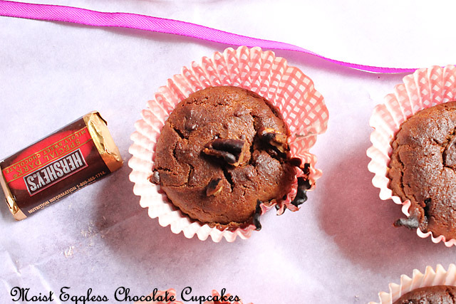 Moist Chocolate Vegan Cupcakes