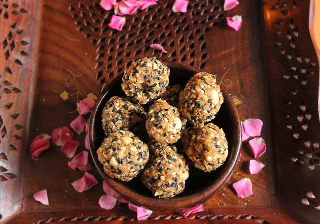 Til Ladoo Recipe, How to make Til Ladoo Recipe | Sesame Ladoo