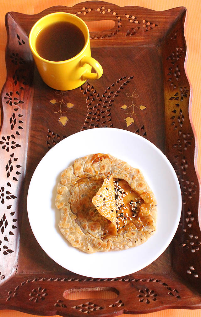 Til Gur Ki Roti &#8211; Jaggery Indian Flat Bread