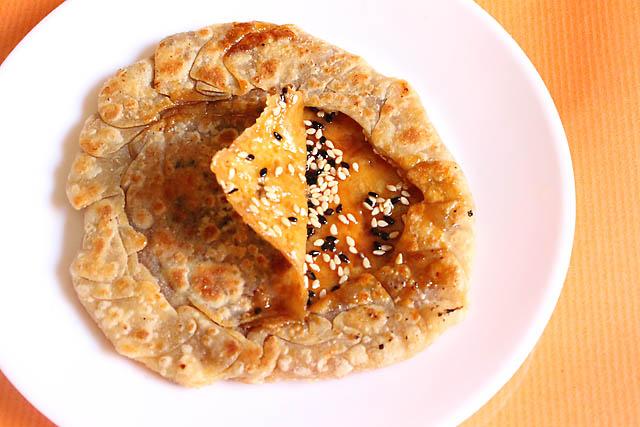 Til Gur Ki Roti, How to make Gur Ki Roti | Jaggery Roti or Indian Flat Bread