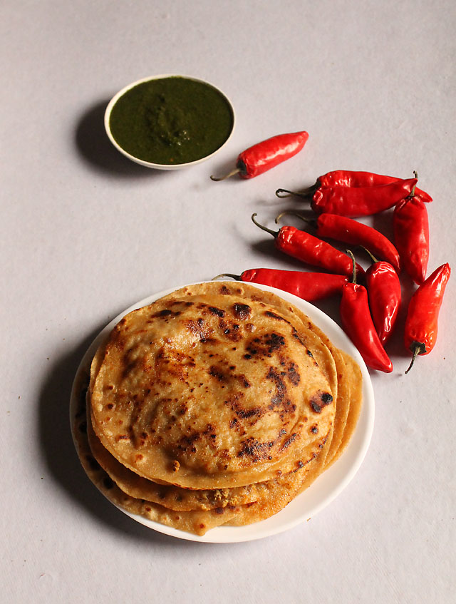 Chicken Keema Paratha, How to make Chicken Keema Paratha:Chicken Keema Paratha is Indian flat bread stuffed with minced chicken. Chicken Keema Paratha is a quick meal, can also be served as food, lunch box or side starter. You could make keema in advance Or follow this link for the recipe. Once you make mince you could store into fridge for upto 2 days and freezer upto a week. Thaw for an hour and stuff them in the parathas.