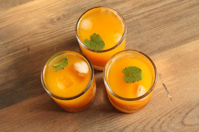 Homemade Mango Squash