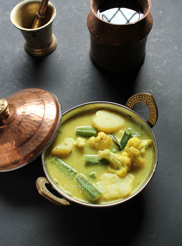 Mixed Vegetable Curry in Coconut Milk