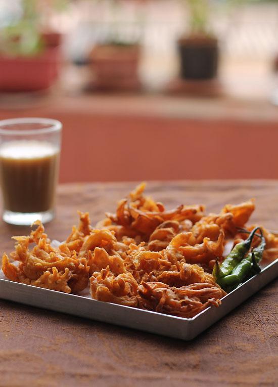 Onion Pakora Recipe, How to make Onion Pakora Recipe| Mumbai Streetfood