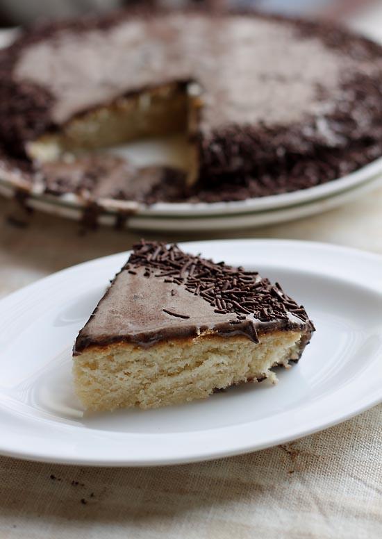 Eggless Vanilla Sponge Cake Recipe – How to make Eggless Vanilla Sponge Cake Recipe | Eggless Cakes