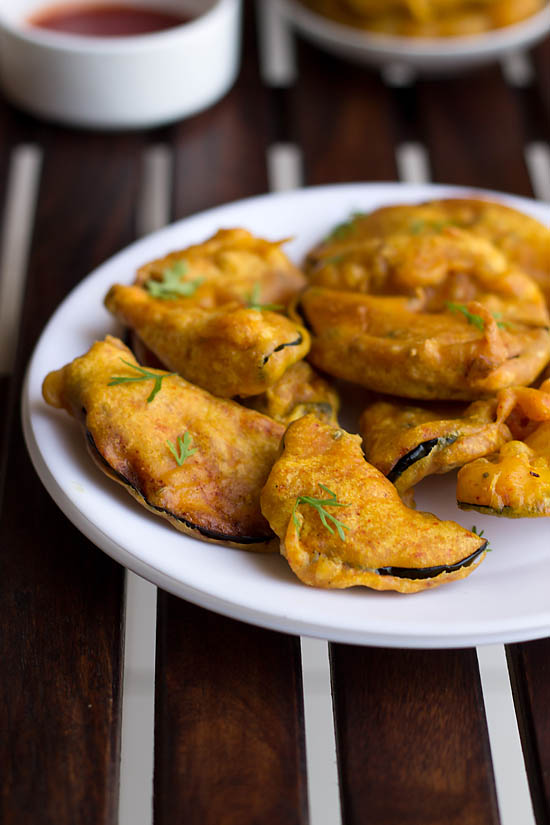 Baingan Pakoda Recipe, How to make Baingan Pakoda Recipe