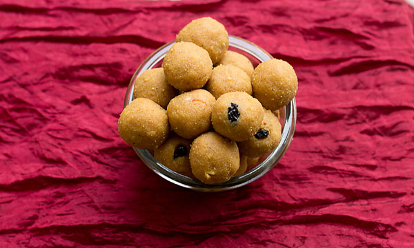 How to make Besan Rava Ladoo (Diwali Sweets)