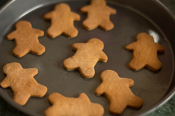 Eggless Gingerbread Cookies Recipe (7)