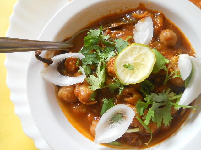 Chole Bhature Recipe, How to make Amritsari Chole Bhature Recipe