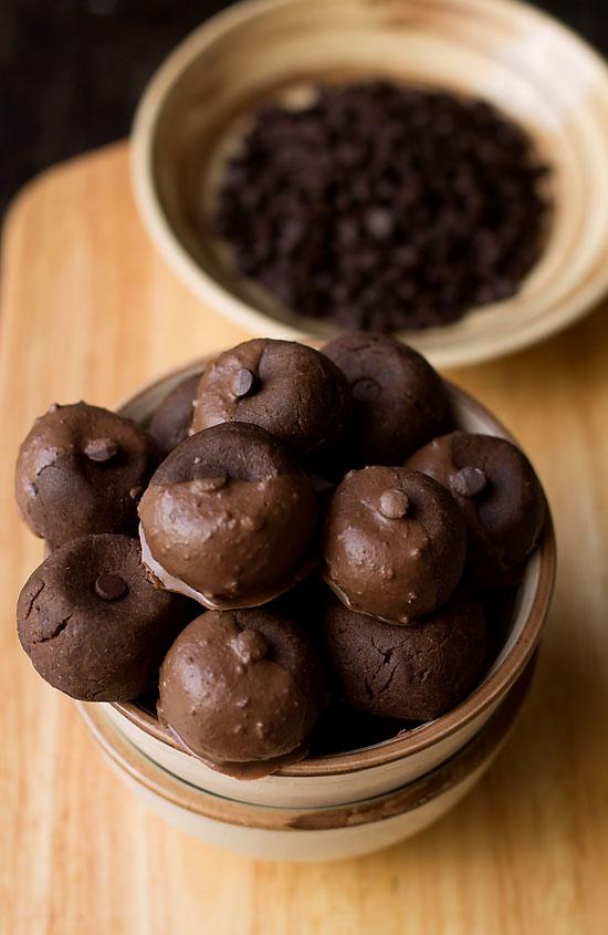 Double Chocolate Cookies Recipe (eggless)